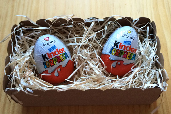 cajita con huevos kinder1
